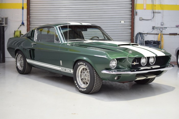 Ford Shelby GT350 Front Left View